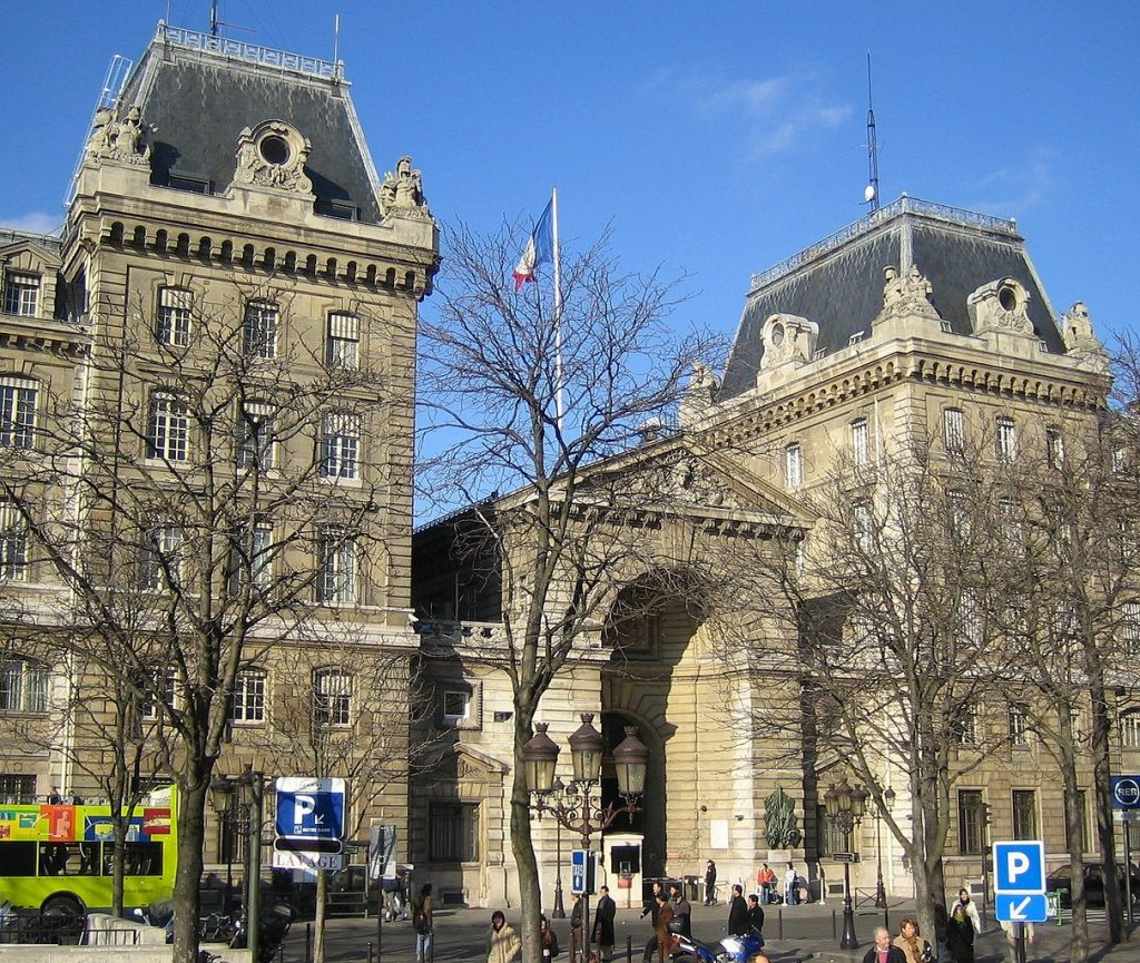 How to Renew Your French Long-Term Stay Visa | The American in Paris