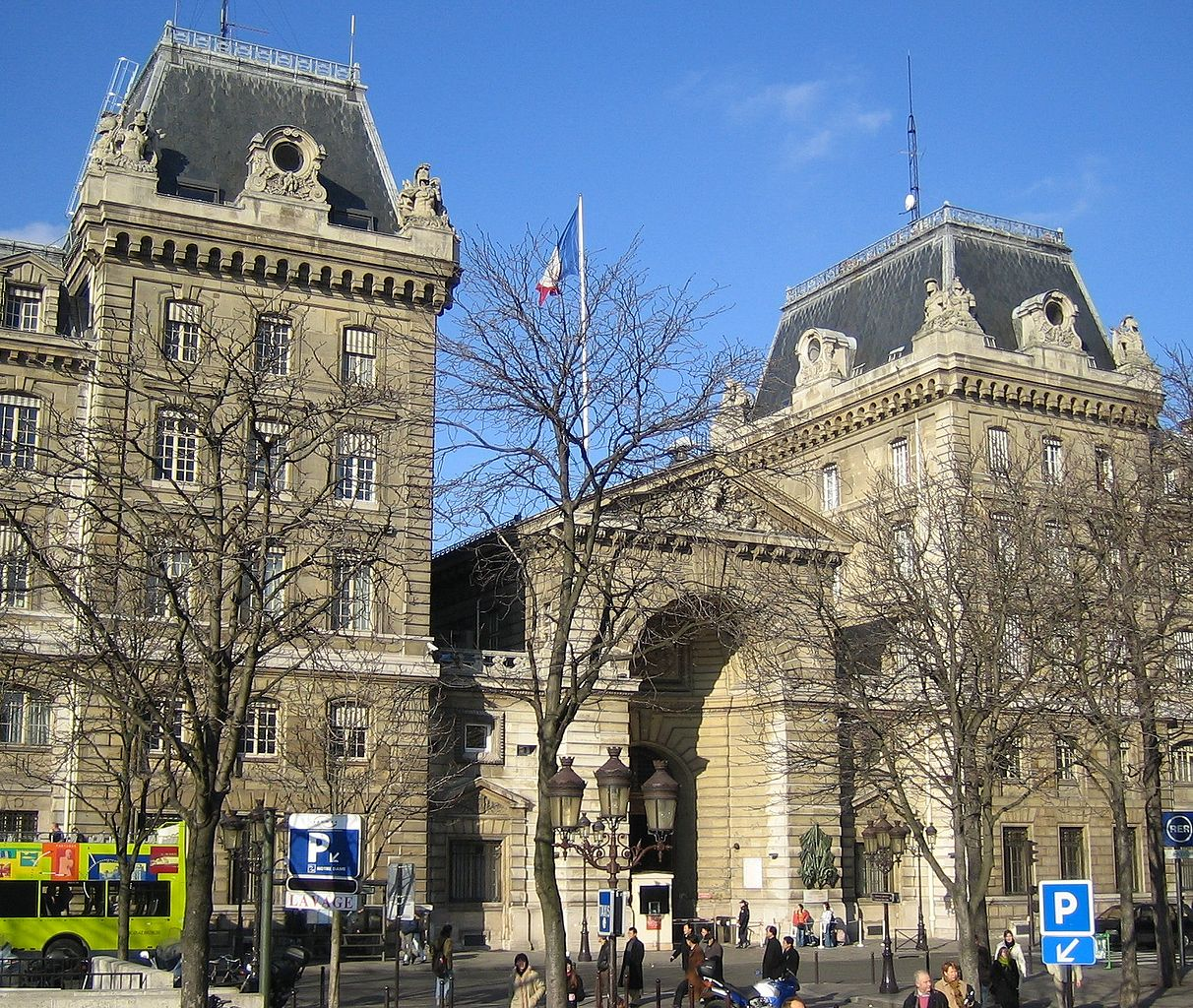 How To Renew Your French Long Term Stay Visa The American In Paris